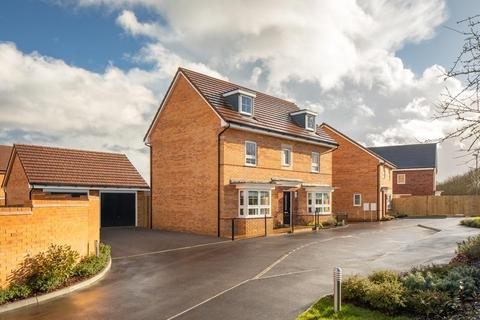 Barratt Homes - Oakwood Grange - Plot 117 at Edenbrook Village, Hitches Lane GU51