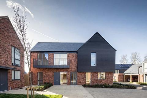 Persona - Pompadour - Plot 72, The Alnwick  at Copperfield Place, Hollow Lane CM1