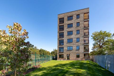 Peabody - Ternary Place - Plot 57, 2 Bedroom Apartment at The Gateway, 650-654 Chiswick High Road W4