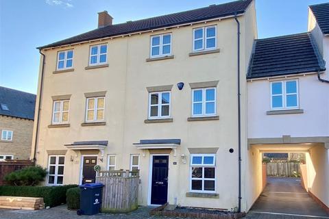 4 bedroom house for sale - Barbel Close, Calne