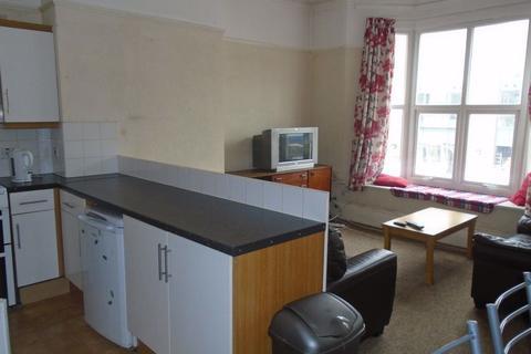 4 bedroom flat to rent - 496a Bristol Road, B29