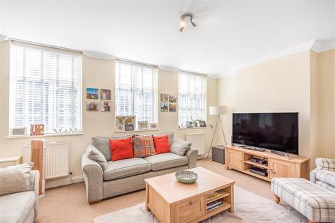3 bedroom maisonette for sale - Stoneleigh Broadway, Epsom