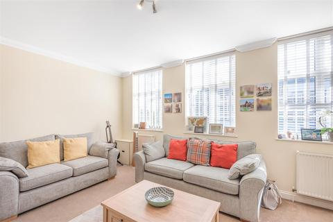3 bedroom maisonette for sale - Stoneleigh Broadway, Epsom