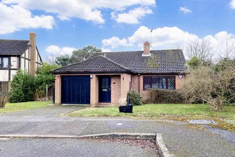 2 bedroom detached bungalow for sale - Thames Road, East Hunsbury, Northampton, NN4