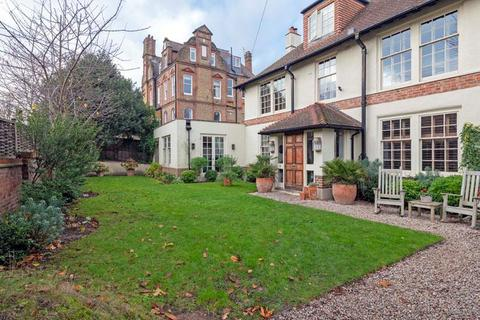 5 bedroom semi-detached house for sale - Blenkarne Road, London, SW11