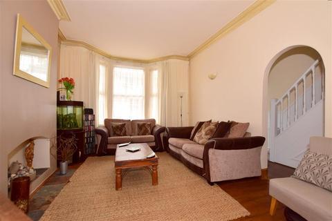 3 bedroom terraced house for sale - Japan Road, Romford, Essex