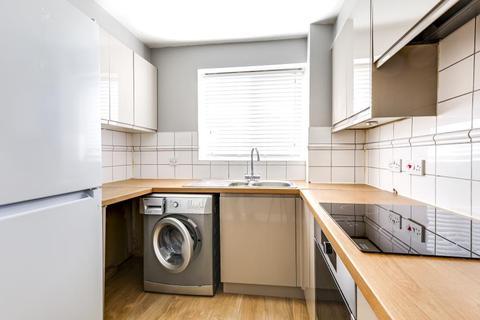 2 bedroom flat to rent - Kirkland Drive, Enfield, EN2