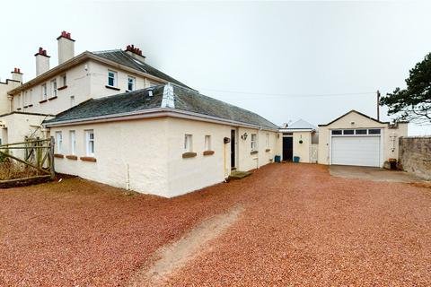 3 bedroom bungalow for sale - Seabank Road, Nairn, Highlands, IV12