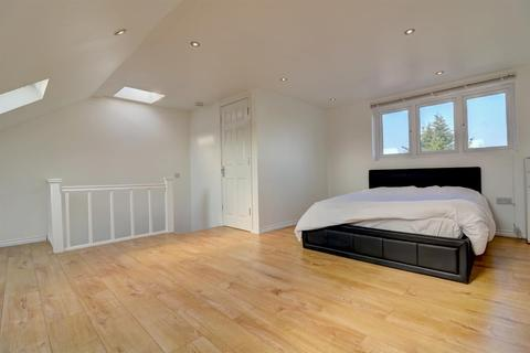 4 bedroom semi-detached house for sale - North Gardens, London SW19 2NR
