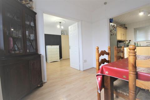 3 bedroom maisonette for sale - Endeavour Way, Barking
