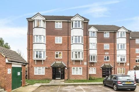 2 bedroom apartment to rent - Weald Close, London