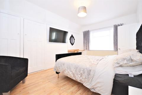 1 bedroom house share to rent - East Acton Lane, East Acton W3 7EG