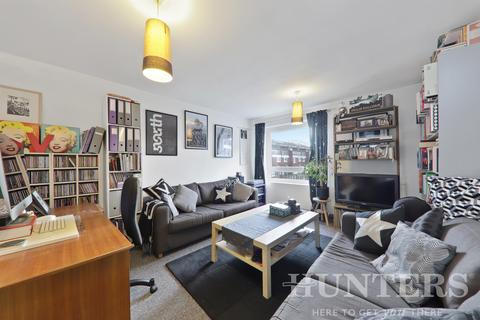 1 bedroom flat for sale - Victoria Crescent, London, N15