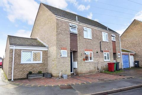 4 bedroom semi-detached house for sale - Rochfords Gardens, Slough, SL2