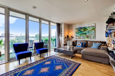 3 bedroom apartment for sale - Seager Place London SE8
