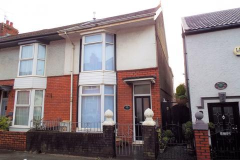 3 bedroom end of terrace house for sale - 18 Vivian Road, Sketty, Swansea