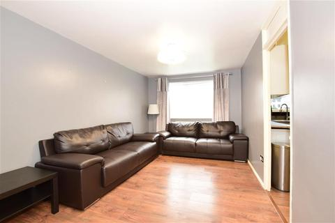1 bedroom ground floor flat for sale - Gurney Close, Barking, Essex