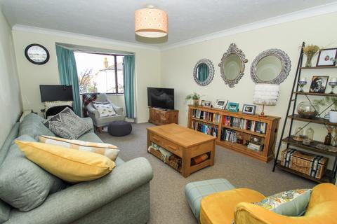 1 bedroom flat for sale - Woodbridge House, Mornington Road, Leytonstone, London, E11