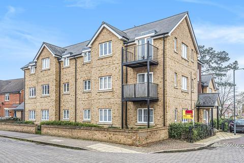 2 bedroom flat for sale - Barland Way,  Aylesbury,  Buckinghamshire,  HP18