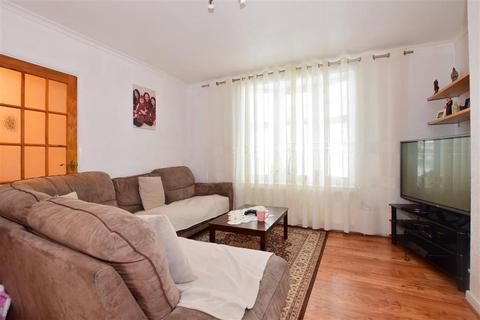 2 bedroom terraced house for sale - Monmouth Road, Dagenham, Essex