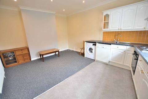 2 bedroom flat to rent - Waylen Street, Reading