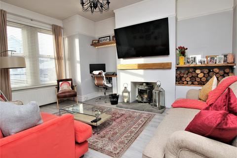 2 bedroom flat for sale - Charminster Road, Charminster, Bournemouth, Dorset