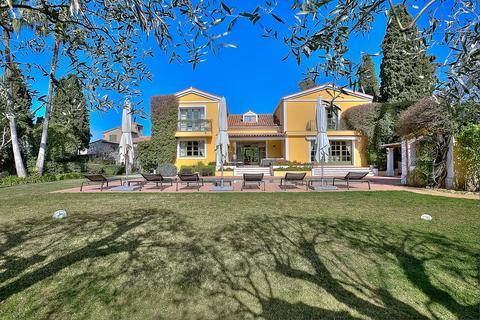 9 bedroom villa - Cap d'Antibes, 06160, France