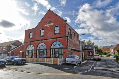 1 bedroom apartment to rent - 5a Clarendon Road, Irlam,Manchester.