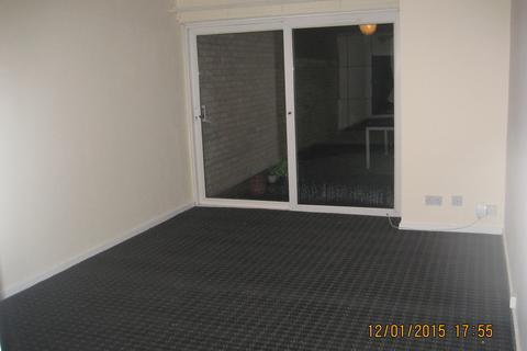 2 bedroom flat to rent - Hotoft Road
