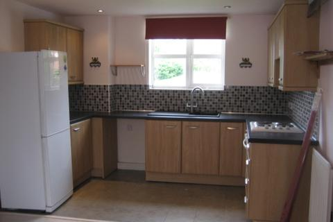 2 bedroom flat to rent - Kepwick Road,