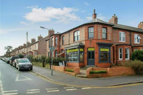 2 bedroom apartment to rent - Hawthorn Road, Hale