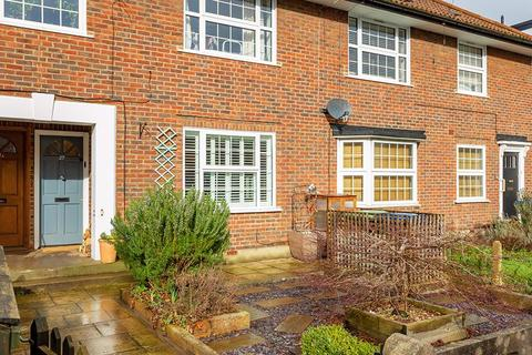 2 bedroom apartment for sale - Queens Road, Thames Ditton, KT7