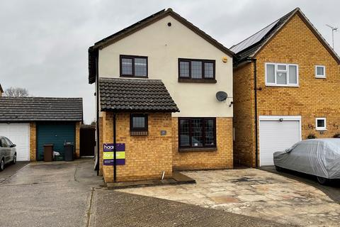 3 bedroom detached house for sale - Rembrandt Grove, Springfield, Chelmsford, CM1