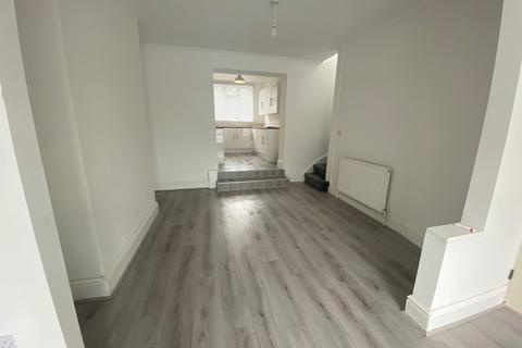 3 bedroom terraced house to rent - Bassett Terrace, Llanelli, SA15