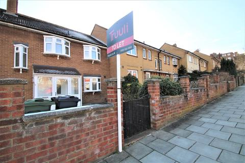 4 bedroom terraced house to rent - Abbots Park, London, SW2