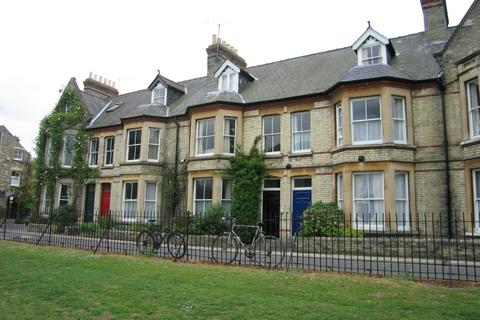 4 bedroom flat to rent - Park Parade, Cambridge, CB5