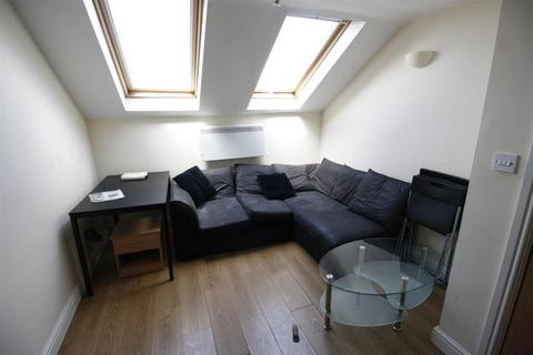 3 bedroom flat to rent - Crwys Rd, Cathays