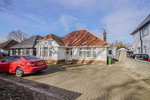 4 bedroom detached bungalow for sale - Heathwood Rd, Heath, Cardiff