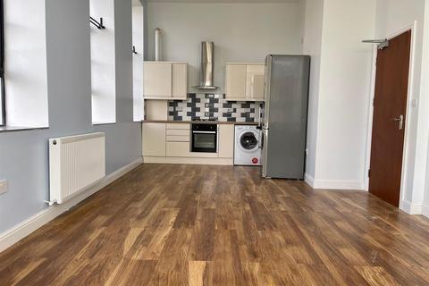 2 bedroom apartment to rent - Brettenham Road, London