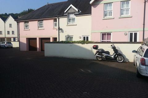 Property to rent - Taunton Court, Parking Space, Totnes