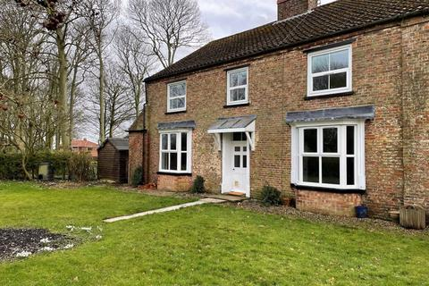 4 bedroom detached house to rent - North Dalton