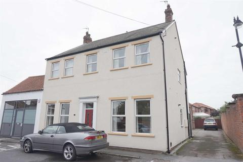 2 bedroom flat to rent - Low Street,North Ferriby