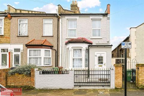 3 bedroom end of terrace house for sale - Bramley Close, Walthamstow, London