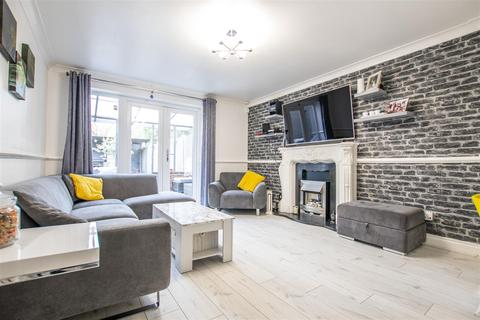 2 bedroom terraced house for sale - Bressey Avenue, Enfield