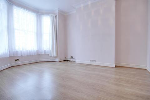 2 bedroom flat to rent - Temple Road, London
