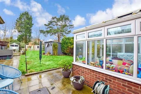 3 bedroom semi-detached house for sale - Huntington Road, Coxheath, Maidstone, Kent