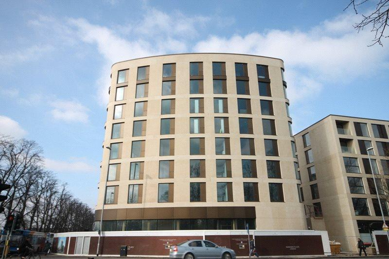 3 Bedrooms Flat for rent in Parkside Place, Parkside, Cambridge, CB1