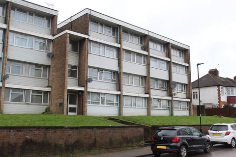 2 bedroom maisonette for sale - Great Cambridge Road, EN1