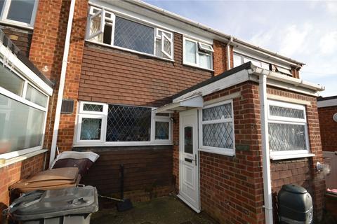 3 bedroom terraced house for sale - Easingwold Gardens, Luton, LU1