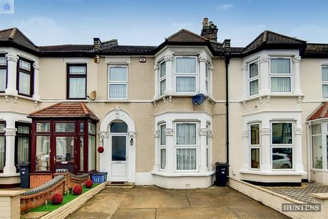 4 bedroom terraced house for sale - St. Albans Road, Seven Kings, IG3